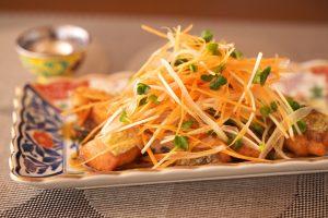 秋鮭と山盛り野菜の南蛮漬け