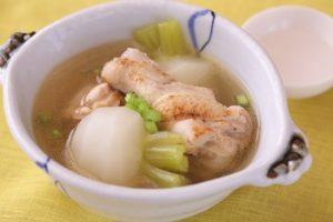 かぶと鶏手羽元の中華スープ