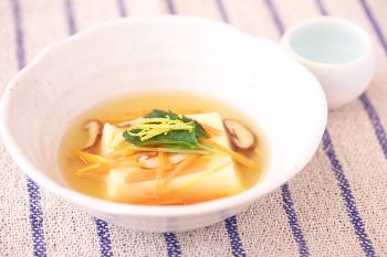 卵豆腐の柚子あんかけ