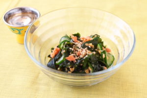 鮭ときゅうりの酢の物