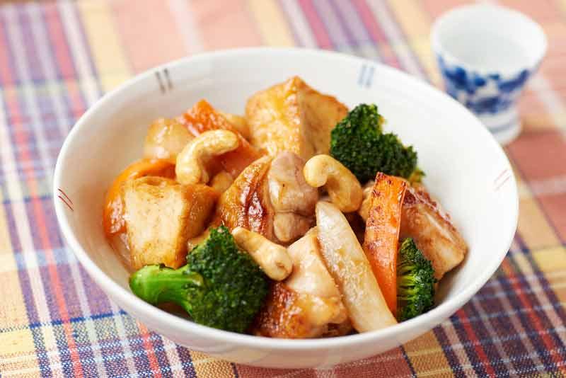 鶏肉と厚揚げの炒めもの